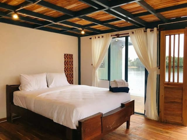 Phu Quoc Ecolodge - Deluxe Room with Lake view