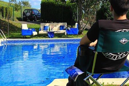 Apartamento nº 9, con piscina  - Meiro - Pis