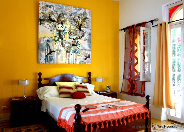 B&B La Pantera Negra Yellow Room