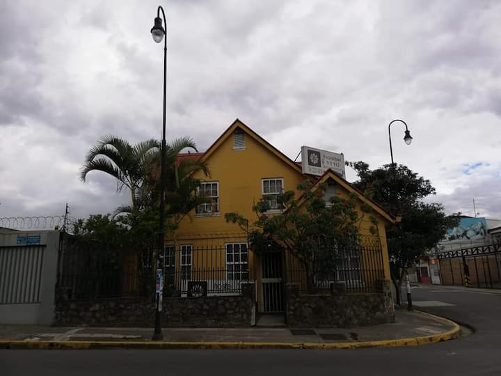 Hostal 1110 CR3 Bed and Breakfast