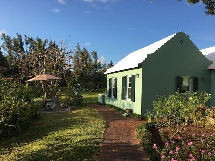 Faraway One Bedroom Bermuda Retreat