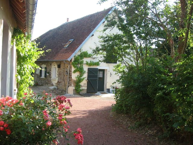Le Chezal : cottage in the countryside (for 8 p) - Thou - Huis