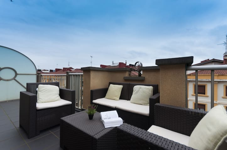 Great attic+terrace+parking. Beach views. ESS00578 - San Sebastián - Квартира