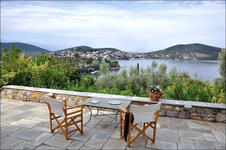 Villa Rododaphne in Amaliapolis 5 bedrooms for 12 - Amaliapoli