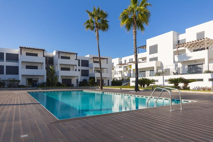 PENTHOUSE, Free SKY TV & WIFI, Sea & Golf view - Quarteira - Leilighet