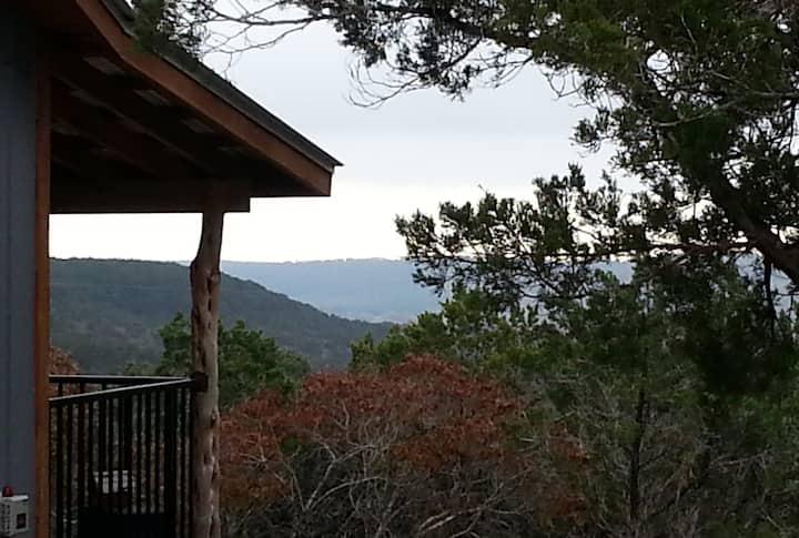 Buttercup Hill Scenic Cabins, Nonnie's Nest