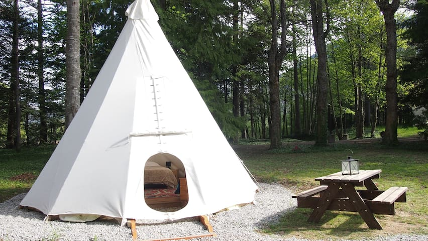 Luxury Tipi for 2/4 people - Saint-Pierre-d'Argençon - Tenda Indígena