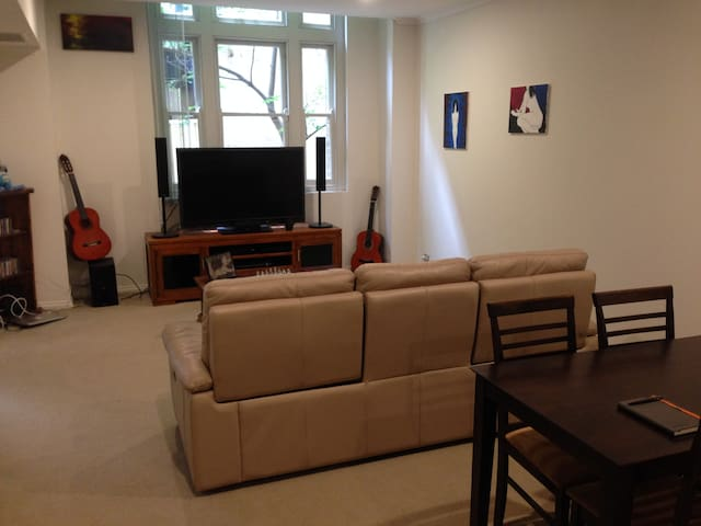 1 bedroom flat in heritage building - Ultimo - Appartement