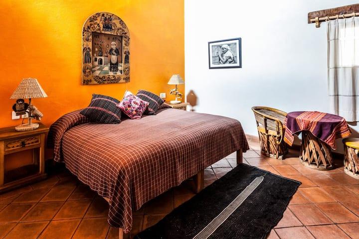 Vive la magia de una casa tradicional en Patzcuaro