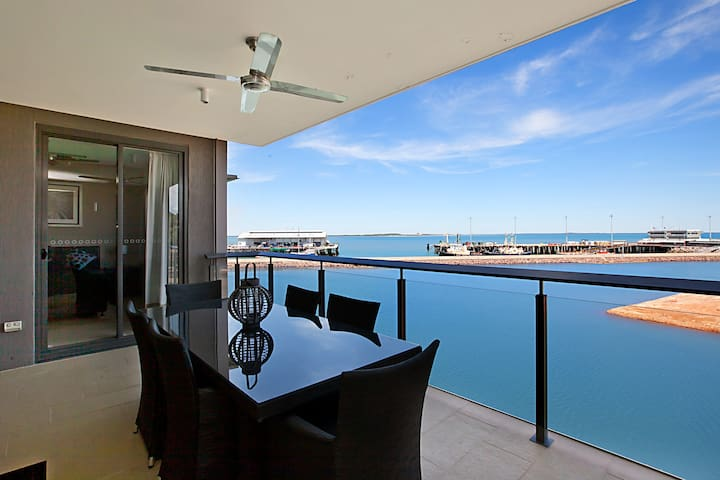 STUNNING 1 BEDROOM WATERFRONT APT. - Darwin - Apartment