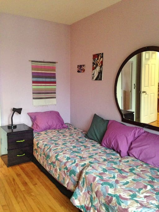 Bedroom: 2nd twin bed