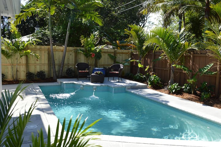 Modern Two Bedroom Apartment At Villa Tunis Apartments For Rent In Fort Lauderdale Florida