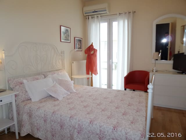 Amazing location, sea side view - Thessaloniki - Appartement
