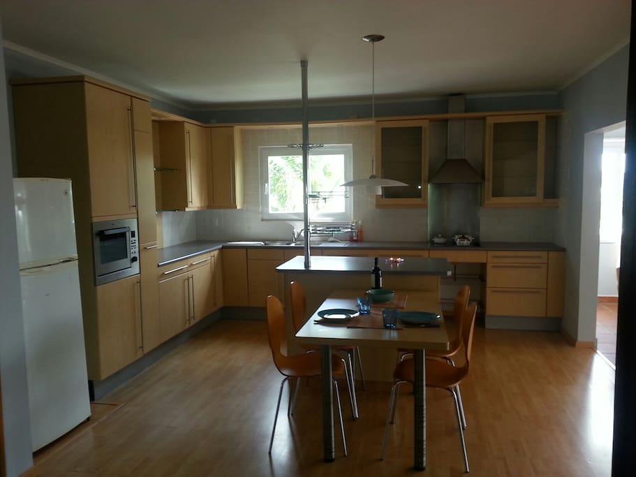 Spacious kitchen with kitchen island