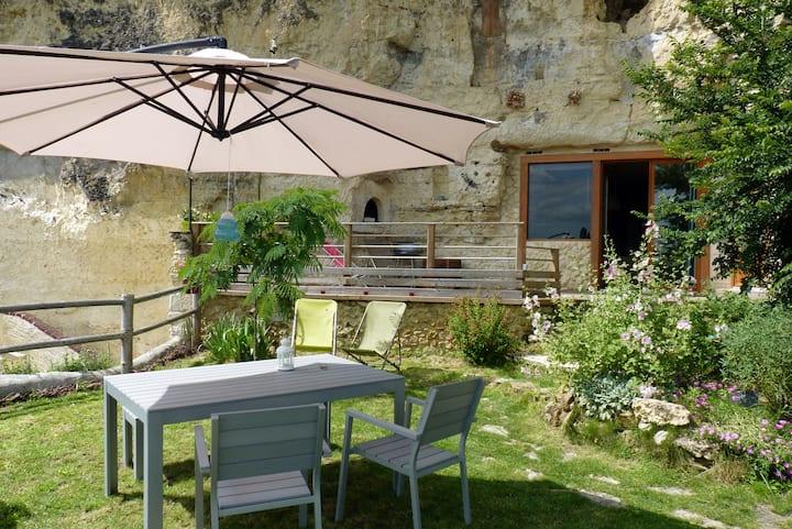 Rare et Insolite, Troglodytique avec vue sur Loire