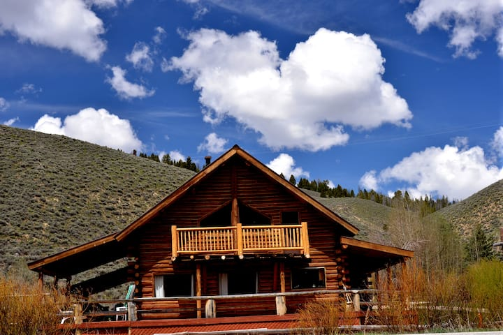 Beckwith Lodge, Sawtooth Mountains, Stanley, Idaho
