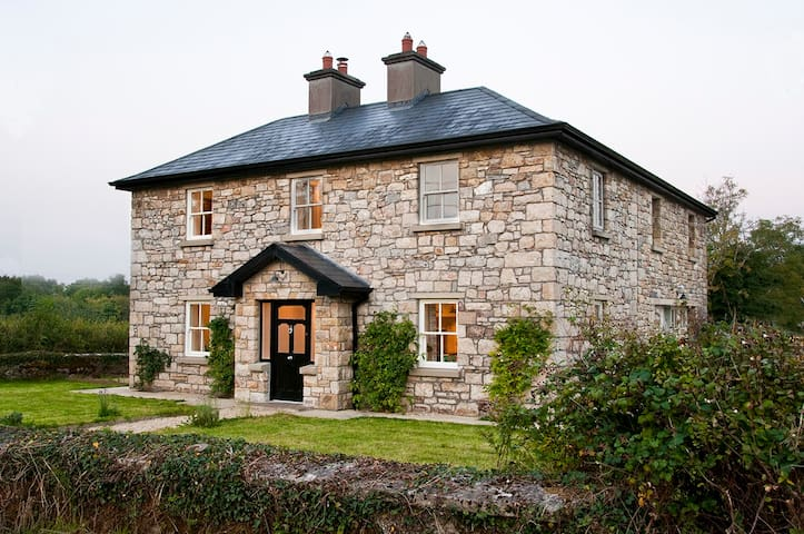 A Beautiful lrish Country House - Carrick on Shannon - Casa