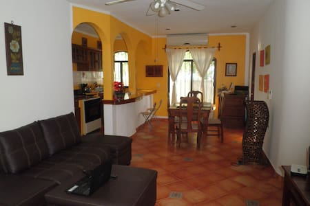 Nice bedroom in central apartment - Playa del Carmen