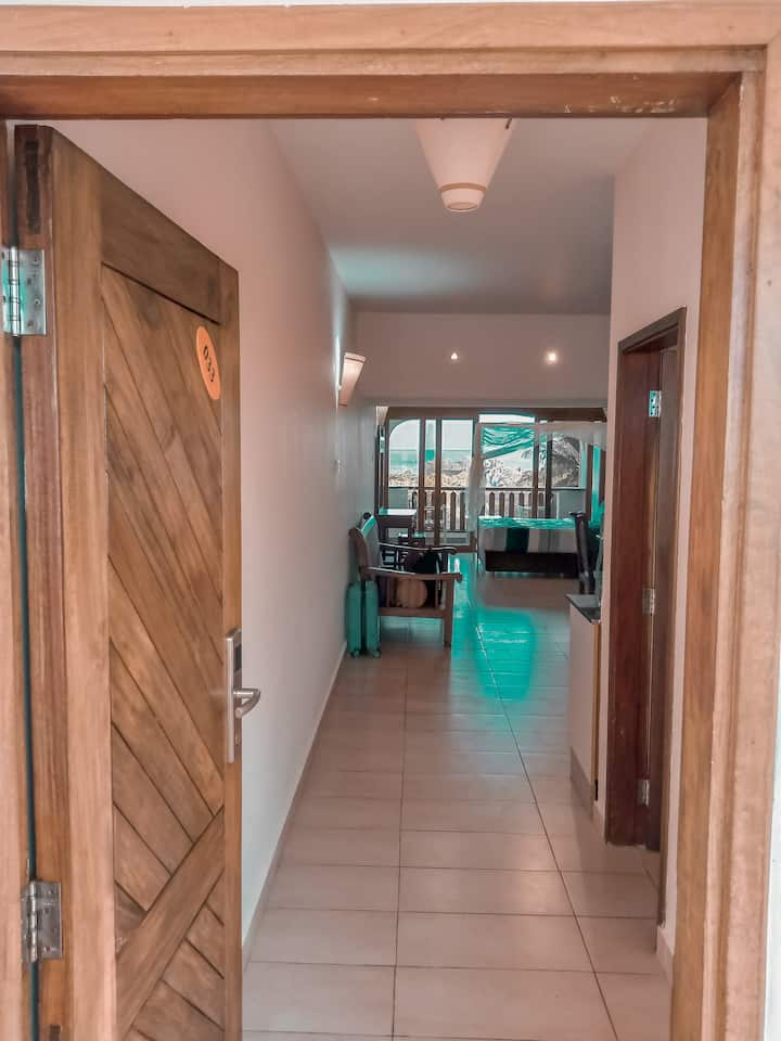 Cosy studio apartment, Beach & Pool in Diani Beach