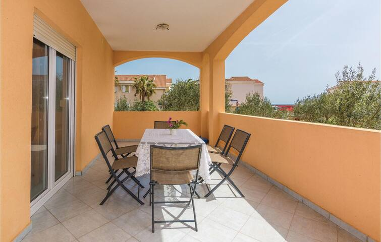 Holiday apartment with 2 bedrooms on 72m² in Vir
