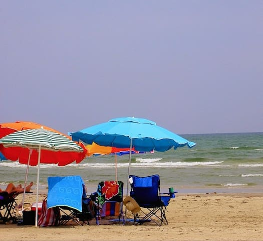 Green House*Beach Close*Big or Small Pets R Free! - Port Aransas