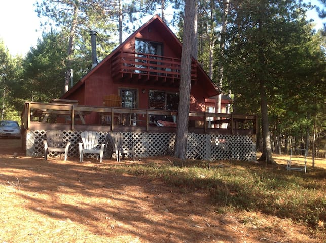 River front cottage in Sheenboro Qc - Sheenboro - Chalé