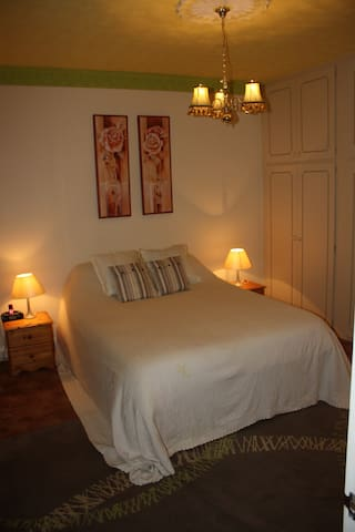 Large room, B&B, near University - Loughborough - Dům