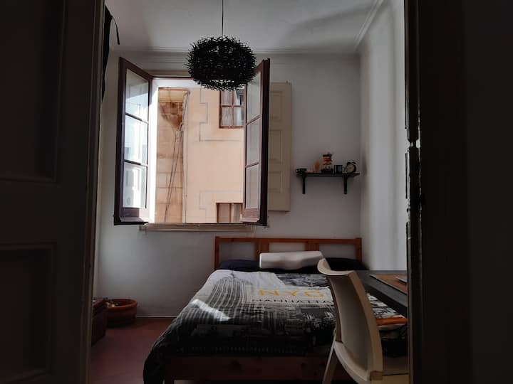 Apartment at Gotico, city centre of Barcelona