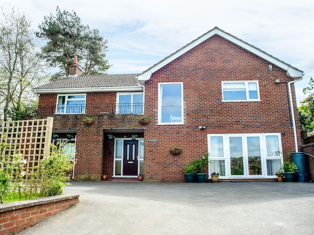 PLUM HILL APARTMENT, pet friendly in Oswestry, Ref 949423