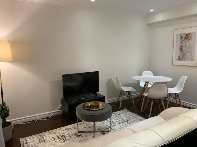 ❤️❤️❤️First floor ,one bedroom-step to Yonge Subway