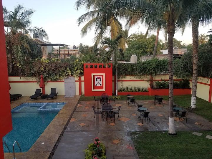 Villas Frida #3  Sleeps 10 - 4 Blocks from Ocean