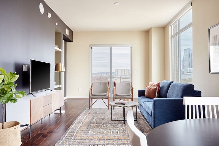 Sonder | The Catherine | Chic 3BR + Pool