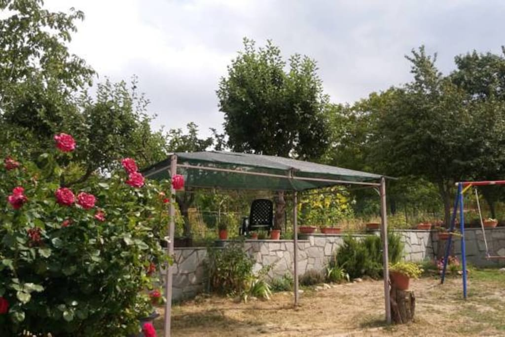 Casa per ferie Pallavicino (Cantalupo Ligure) - giardino con gazebo