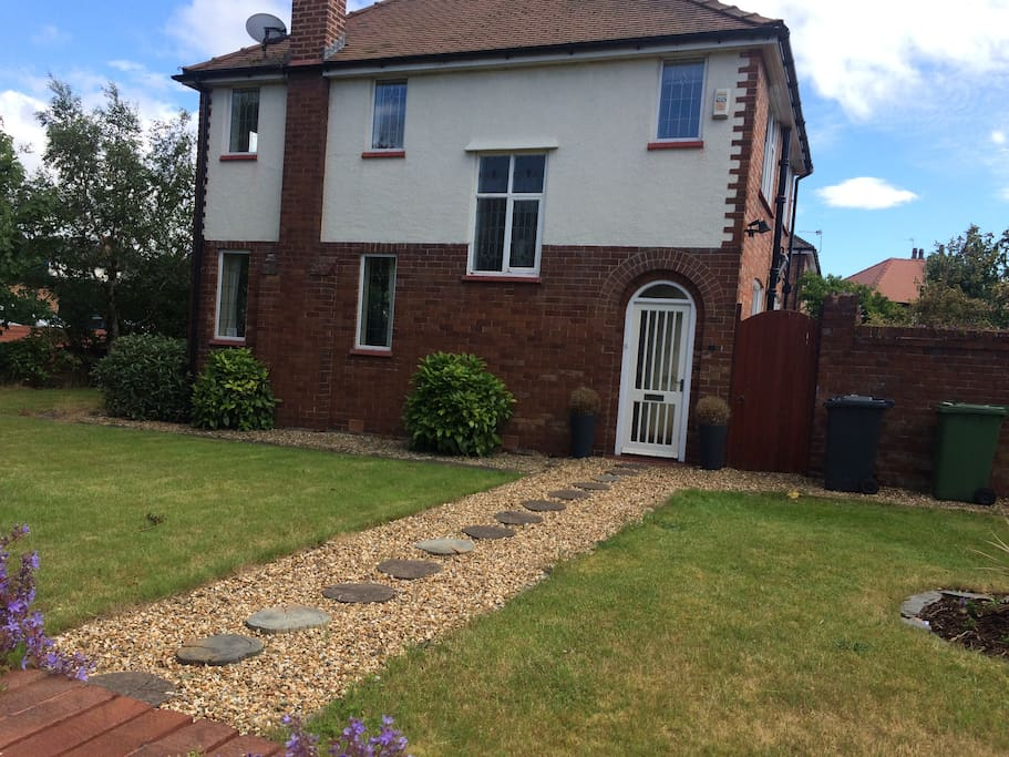 House within 5 minutes walk of Royal Birkdale golf.