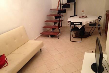 Appartamento indipendente nel centro storico - Sulmona - Apartamento