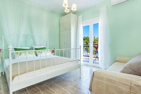 Vintage place rooms to rent - Thasos