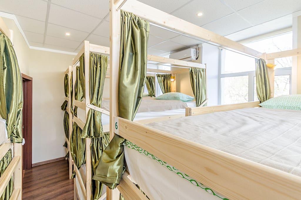 8-ми местный  номер смешанного типа/Mixed Dorm Bed.