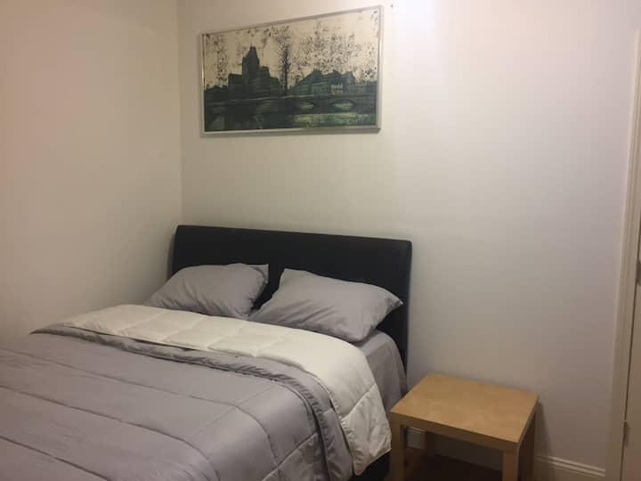 Priv. Bedroom in Watertown Sq