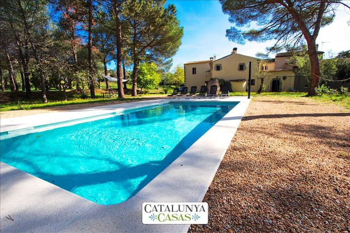 Rustic 7-bedroom villa in Santa Cristina only 4km from the beaches of Costa Brava! - Costa Brava - Villa