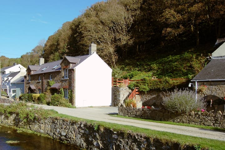 Mill Cottage, self catering in the heart of Solva.