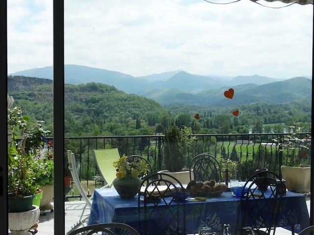 Maison vue panoramique Pyrénées, Ptit Déj gourmand - Montréjeau - Haus