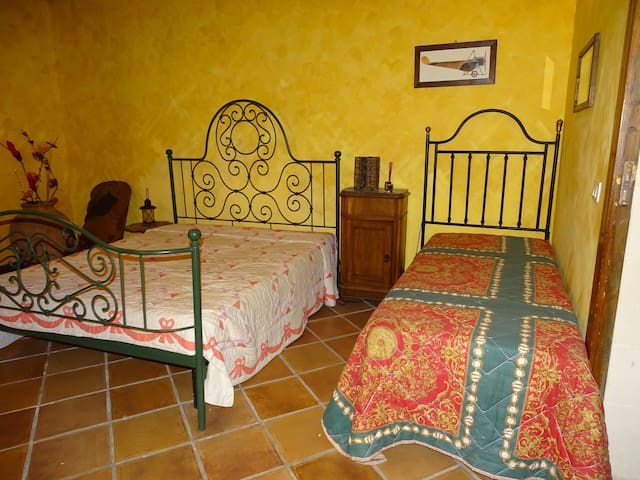 Canicattini Bagni (Siracusa)- B&B Villa Maria x3 - Syracuse - Bed & Breakfast
