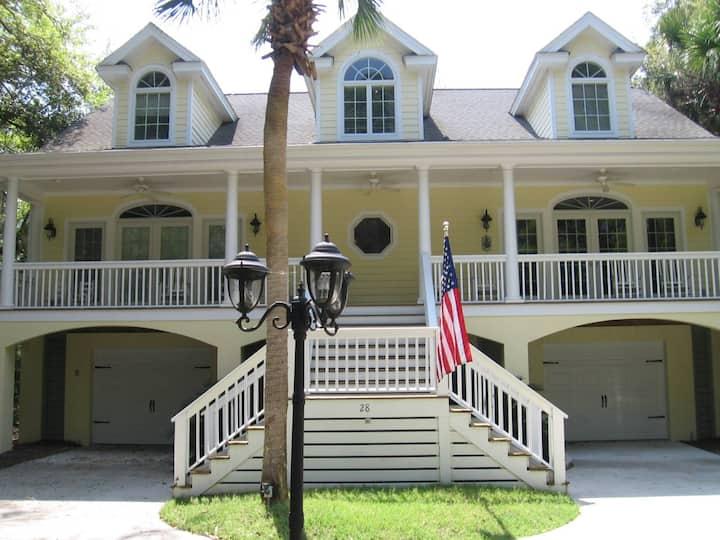 Southern Belle  Luxury Home, Hummer Cart, Sleep 12