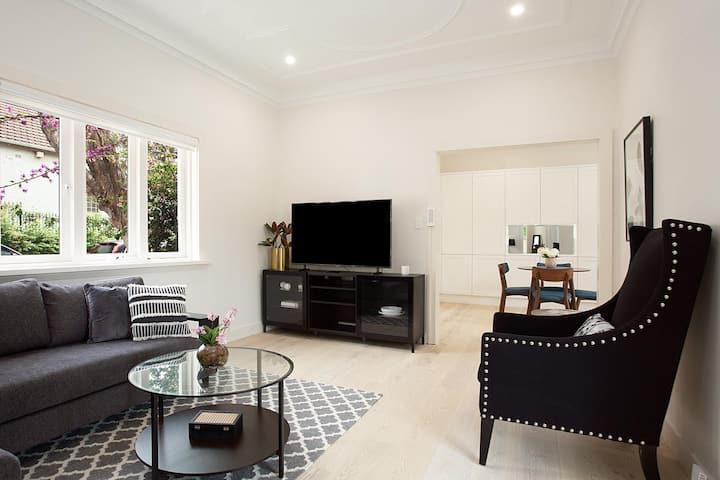 WONDERFUL WOOLLAHRA- L'Abode Accommodation