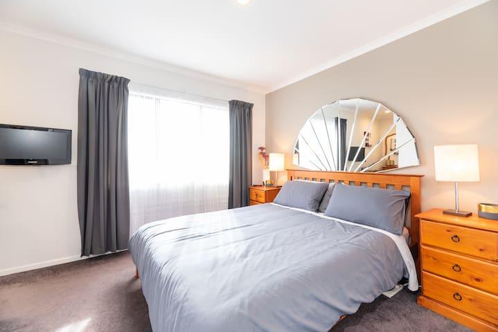Bedroom-Queen size bed