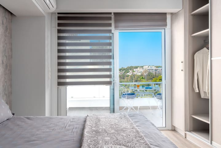 Hermes Suite, 2min walk to Vouliagmeni Akti Beach