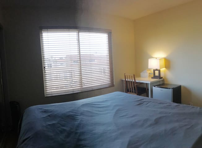 Convenient bedroom close to Huntington Beach #1