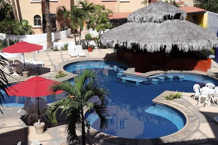 Cabo Comfy Apartment 2-4 guest, Great Location