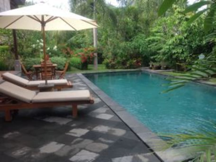 10 meter pool and lounges.