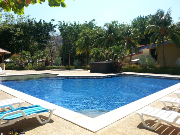 Steps to Playa Ocotal and Close to Coco!